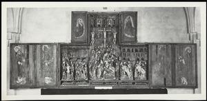Twee kerkvaders (binnenzijde linkerluik); Maria in Mandorla (binnenzijde linker bovenluik); De geseling, de kruisdraging, de kruisiging, de kruisafneming, de bewening (middendeel); Twee kerkvaders (binnenzijde rechterluik); God de Vader (binnenzijde rechter bovenluik)