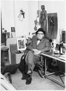 Hildo Krop in zijn atelier aan de Plantage Muidergracht