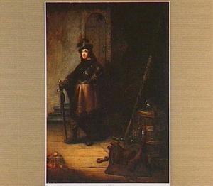 Officier in een interieur met een stilleven van wapens
