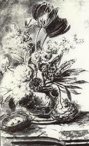Bloemstilleven in een vaas, versierd met putti, op een stenen plint; links een vogelnest