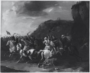 Ruitergevecht in een berglandschap; op de achtergrond Mozes biddend op de berg, ondersteund door Aäron en Ur (Exodus 17:9-13)