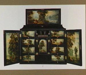 Ebbenhouten kunstkastje beschilderd met mythologische taferelen in bosachtige landschappen