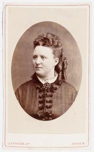 Portret van Luthera Catharina Maria van Luttervelt (1841-1920)