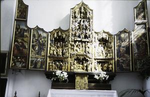 De annunciatie, de visitatie, de tuin van Gethsemane, de gevangenneming, Ecce Homo (binnenzijde linkerluik); De besnijdenis, de Boom van Jesse, de aanbidding der Wijzen, de kruisdraging, de kruisiging, de kruisafneming (middendeel); De aanbidding, de presentatie, de graflegging, de tenhemelopneming, de uitstorting van de Heilige Geest (binnenzijde rechterluik)