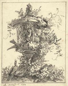 Tuinvaas, bloemen, bladranken, vogels en een nestje