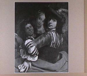 Jonge man met twee jonge vrouwen