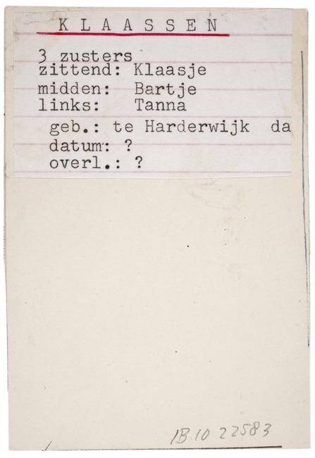 "<a class=""recordlink artists"" href=""/explore/artists/1984"" title=""Anoniem""><span class=""text"">Anoniem</span></a> <a class=""thesaurus"" href=""/en/explore/thesaurus?term=385&domain=PLAATS"" title=""Nederland"" >Nederland</a> ca. 1910-1920"