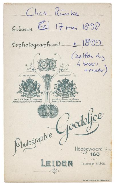 """<a class=""""recordlink artists"""" href=""""/explore/artists/374425"""" title=""""Jan Goedeljee & Zn""""><span class=""""text"""">Jan Goedeljee & Zn</span></a>"""