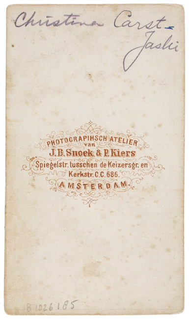 "<a class=""recordlink artists"" href=""/explore/artists/480055"" title=""J.B. Snoek & P. Kiers""><span class=""text"">J.B. Snoek & P. Kiers</span></a>"