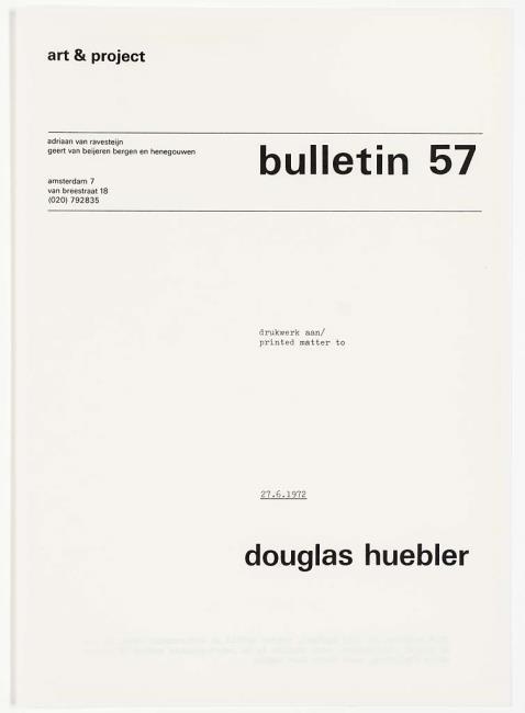 "<a class=""recordlink artists"" href=""/explore/artists/40302"" title=""Douglas Huebler""><span class=""text"">Douglas Huebler</span></a> en uitgegeven door <a class=""recordlink artists"" href=""/explore/artists/438870"" title=""Art & Project""><span class=""text"">Art & Project</span></a>"