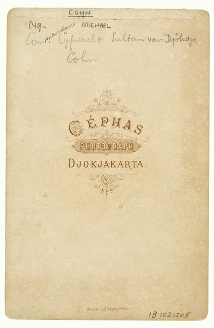 "<a class=""recordlink artists"" href=""/explore/artists/417606"" title=""Cephas""><span class=""text"">Cephas</span></a>"