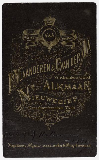 "<a class=""recordlink artists"" href=""/explore/artists/417667"" title=""Vlaanderen & van der Aa""><span class=""text"">Vlaanderen & van der Aa</span></a>"