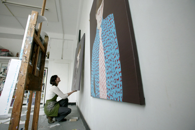 Katinka Lampe in haar atelier